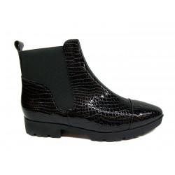 černá kožená lakovaná kotníková obuv CARSONA VIP