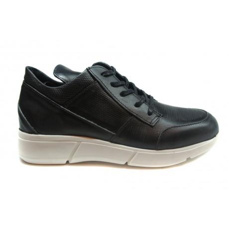 černé kožené tenisky na platformě INDIGO Shoes