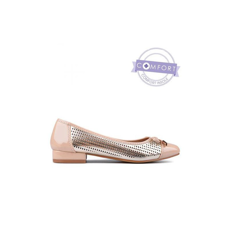 6652e7d5d06 béžovo zlaté dírkované lodičky na nízkém podpatku TENDENZ - Danea-Shoes