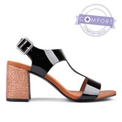 černé lakované elegantní sandály na podpatku TENDENZ TAS17-022