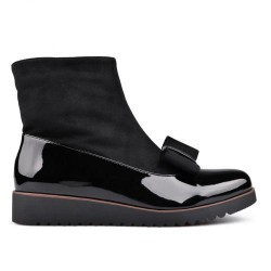 černá elegantní lakovaná kombinovaná kotníková obuv s mašlí TENDENZ