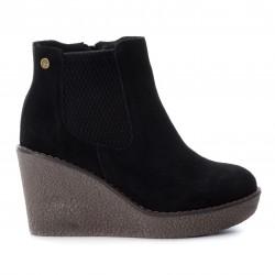 černá kožená kotníková obuv na klínu CARMELA 65780