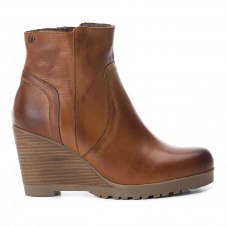 hnědá camel kožená kotníková obuv na klínu CARMELA 65863