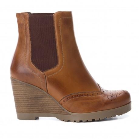 hnědá camel kožená kotníková obuv na klínu CARMELA 65881