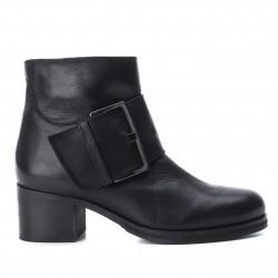 černá kožená kotníková obuv na podpatku CARMELA 65905