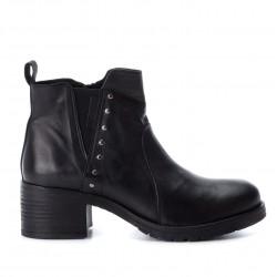 černá kožená kotníková obuv na podpatku CARMELA 65920