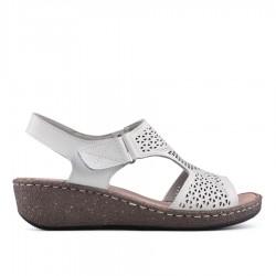 bílé kožené sandálky na klínu TENDENZ NTS18-076