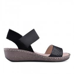 černé kožené sandálky na klínu TENDENZ NTS18-077