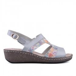 šedé kožené sandálky s barevným vzorem na klínu TENDENZ NTS18-078