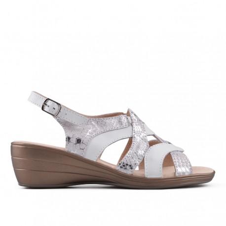 bílo-stříbrné kožené sandálky na klínu TENDENZ NTS18-081