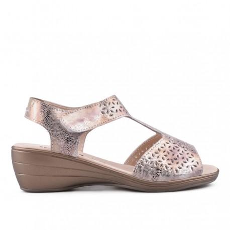 zlaté kožené sandálky na klínu TENDENZ NTS18-082