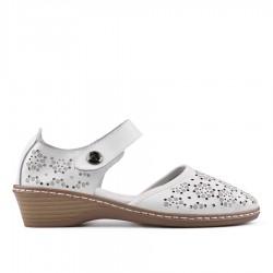 bílé kožené sandálky TENDENZ NTS18-086
