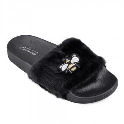 černé pantofle s obrázkem včely TENDENZ PTS18-017