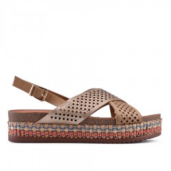 hnědé sandálky na platformě TENDENZ CRS18-008
