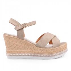 béžové sandálky na klínu TENDENZ GBS18-024