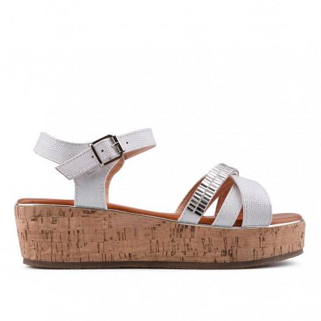 bílé sandálky na platformě TENDENZ GBS18-057