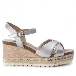 stříbrné sandálky na klínu Refresh 64087
