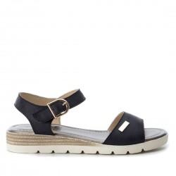 černé sandálky na klínku Refresh 64436