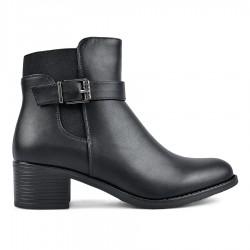 černá kotníková obuv se vsazenou gumou a ozdobnou sponou TENDENZ REW18-091