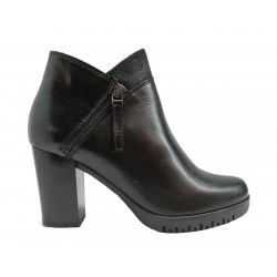 černá kožená italská kotníková obuv na širokém podpatku Oroscuro  6473200