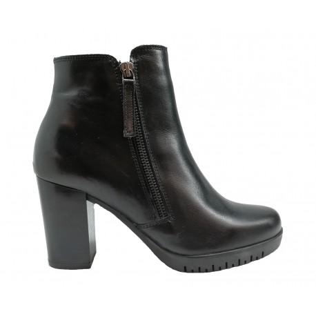 64af060a076 černá kožená italská kotníková obuv na širokém podpatku Oroscuro 6471752