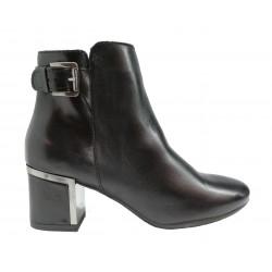 černá kožená italská kotníková obuv na širokém podpatku s ozdobnou sponou Oroscuro 1433333