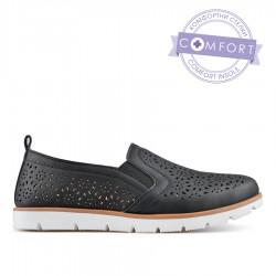 černá dírkovaná slip-on obuv TENDENZ QMS19-007
