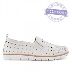 bílá dírkovaná slip-on obuv TENDENZ QMS19-008