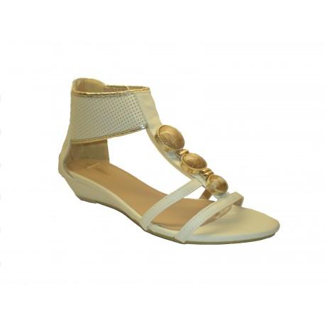 bílé páskové sandály zdobené cvočky