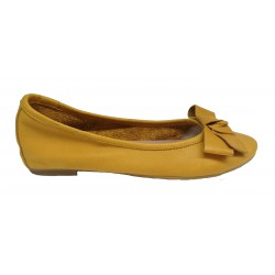 hořčicově žluté kožené italské baleríny s mašlí na malém klínku Mary 3110