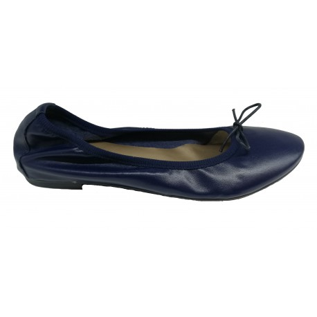 b8a250d3c7 tmavě modré kožené italské baleríny na malém klínku Mary 600