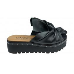 černé kožené italské pantofle na platformě Once A63789