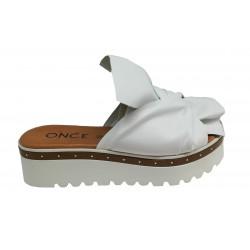 bílé kožené italské pantofle na platformě Once A63789