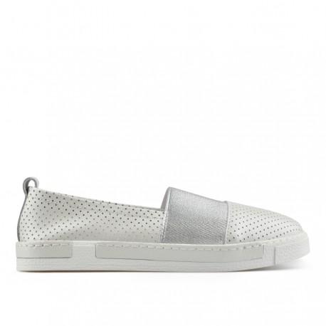 perlově bílá kožená slip-on obuv TENDENZ NTS19-057
