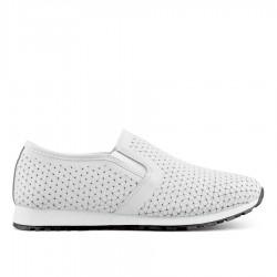 bílá kožená slip-on obuv TENDENZ NTS19-077
