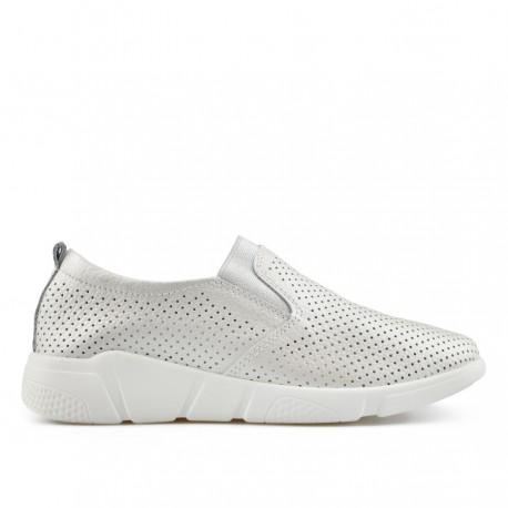 perlově bílá kožená slip-on obuv TENDENZ NTS19-106