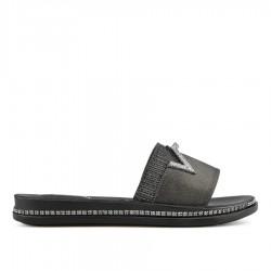 černé pantofle Tendenz TYS19-037