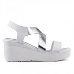 bílé sandálky na klínu Tendenz EKS19-041