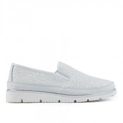 bílá kožená slip-on obuv TENDENZ NTS19-071