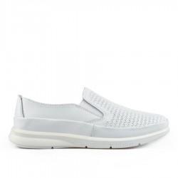 bílá kožená slip-on obuv TENDENZ NTS19-100
