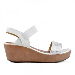 bílé sandály na klínu TENDENZ TBS19-015