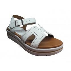 bílé kožené italské sandálky na platformě se cvočky UN PASSO IN PIU 033