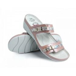zdravotní perleťově růžové kožené pantofle na klínu BATZ Dalma