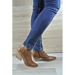 hnědá (cuoio) kožená italská jarní kotníková obuv western Velaidé Asia-05
