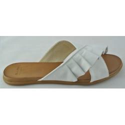 bílé kožené pantofle Bari Kira 58