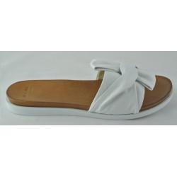 bílé kožené pantofle Bari Diona 01