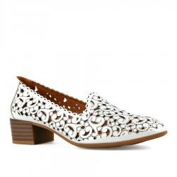 bílá vycházková obuv s vyřezávaným vzorem Tendenz TNS21-011