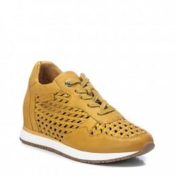 žluté kožené tenisky na klínu Carmela 067741