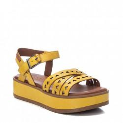 žluté kožené sandálky na platformě Carmela 067834