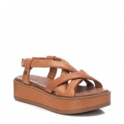 hnědé kožené sandálky na platformě na gumičku Carmela 067837